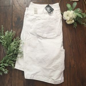 Torrid White Bermuda Shorts NWT